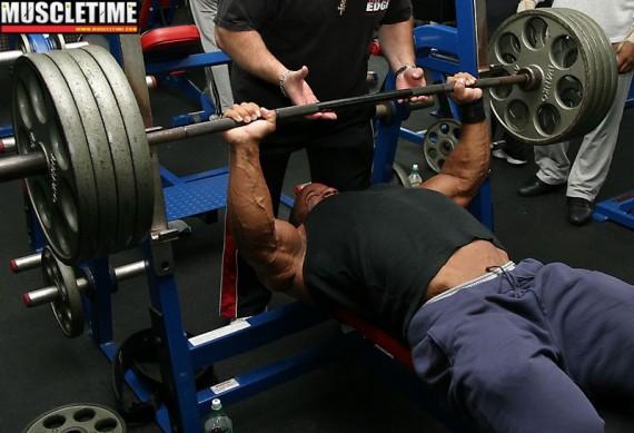 Använda steroider med Smolov Jr Bench Program och Smolov Squat Cycle
